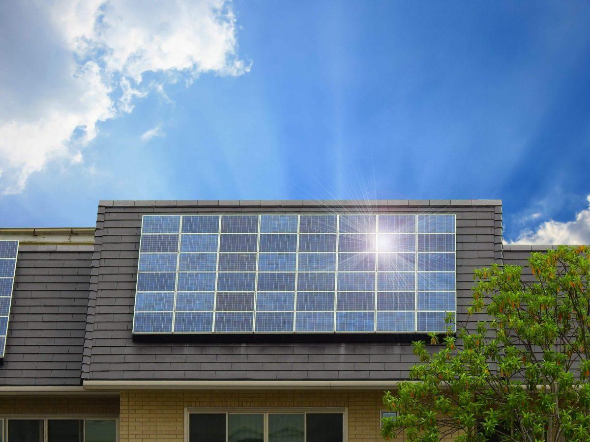 Quel est l'endroit idéal où installer un panneau solaire chez soi ?