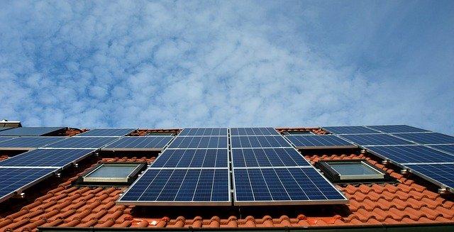 Quel est le prix au m2 d'une installation de panneaux solaires ?