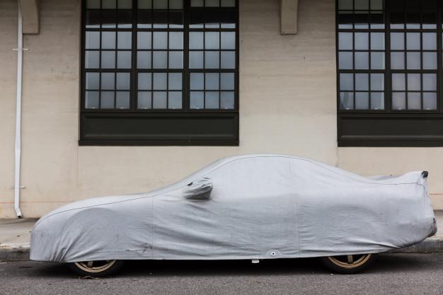 Une housse est-elle suffisante pour protéger une voiture ?